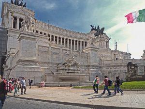 Plac-Wenecki-Rzym-wakacje-Włochy
