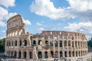 Koloseum-Rzym-wakacje