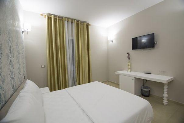 hotel albania