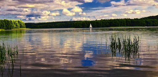 Jeziorem Ukiel