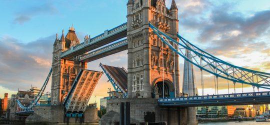 tanie loty do londynu